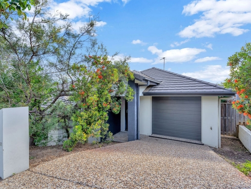 2/1 Chesterton Street Pacific Pines, QLD 4211