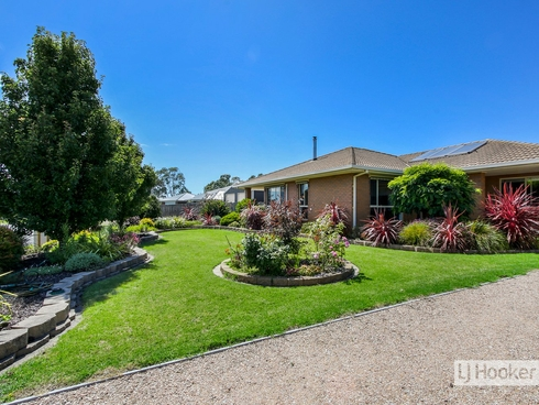 6 Midway Avenue Newlands Arm, VIC 3875
