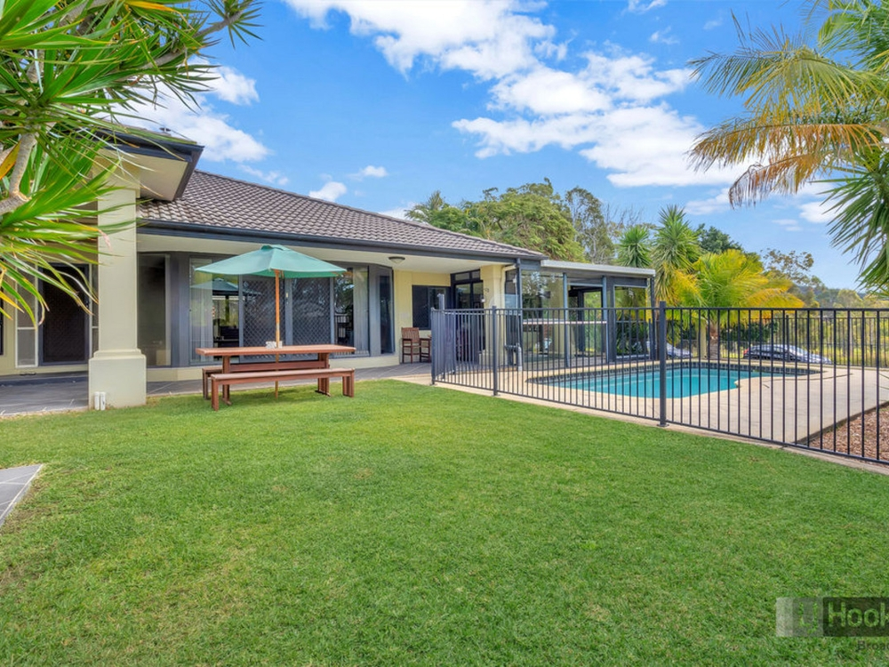 9 West Mountain Court Parkwood, QLD 4214