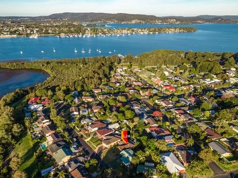 19 Matthews Parade Point Clare, NSW 2250