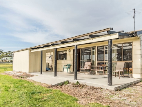 2 Edith Street Bridport, TAS 7262