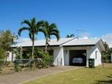 7 Casuarina Street Tully Heads, QLD 4854