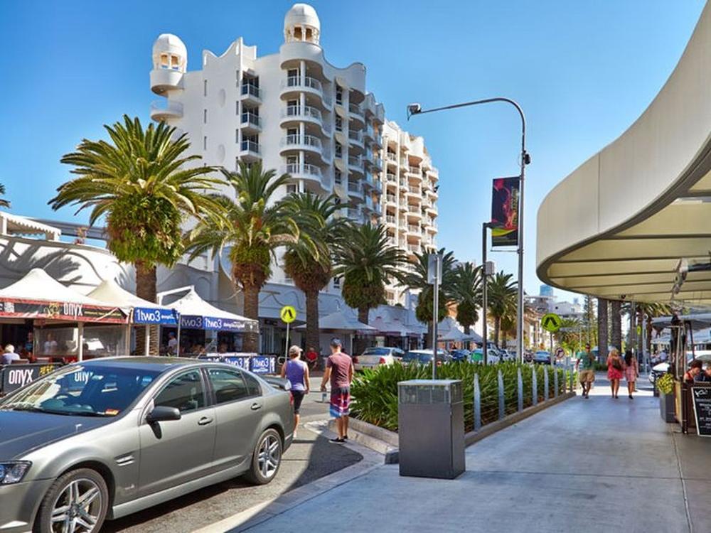 Shop 9 90 Surf Parade Broadbeach, QLD 4218