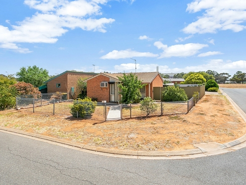 10 Tregenza Avenue Elizabeth South, SA 5112