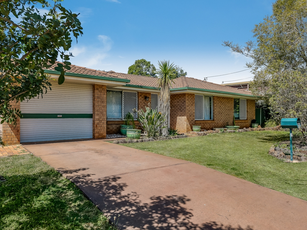 51 Champagne Crescent Wilsonton Heights, QLD 4350