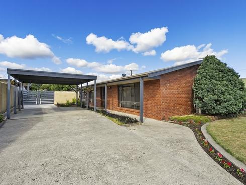 16 Phelps Court Newborough, VIC 3825