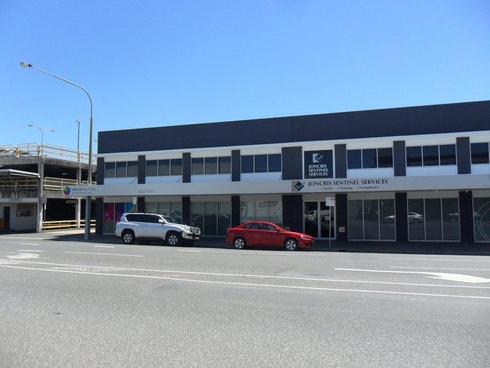 195 Bolsover Street (Top Floor) Rockhampton City, QLD 4700