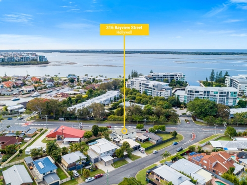 316 Bayview Street Hollywell, QLD 4216