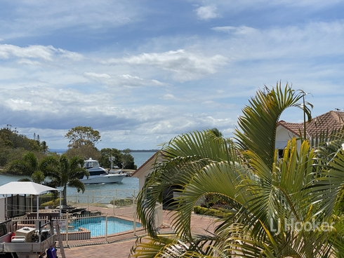 14/18 Spinnaker Quay Sandstone Point, QLD 4511