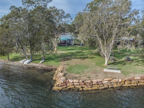 40 Ginganup Road Summerland Point, NSW 2259