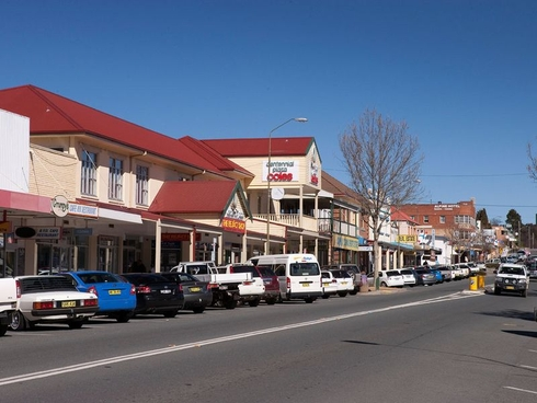 Level 1/114 Sharp Street Cooma, NSW 2630