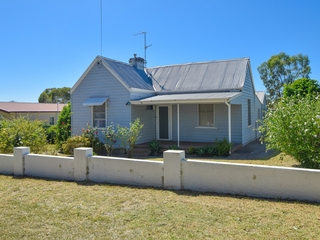 68 Yass Street Young , NSW, 2594