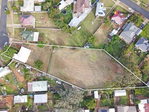 25 Phillip Avenue Mount Austin, NSW 2650