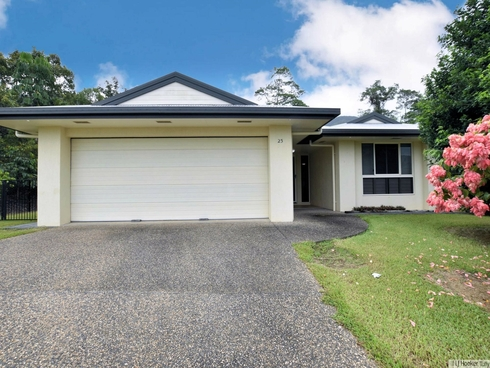 25 Pease Street Tully, QLD 4854