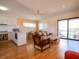 6/157 William Street Young, NSW 2594