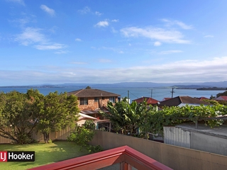 65 Grand View Parade Lake Heights , NSW, 2502