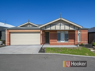 7 Macleod Circuit Pakenham, VIC 3810