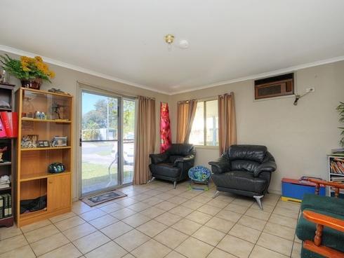 14 Mungera Street Biggera Waters, QLD 4216