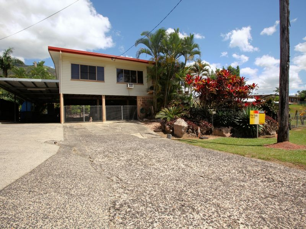 11 McDonald Street Tully, QLD 4854