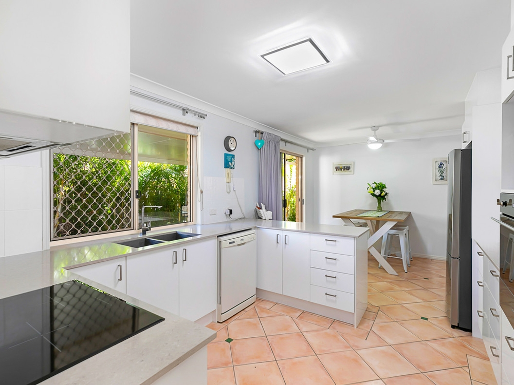 10 8 channel street cleveland qld 4163 townhouse for sale