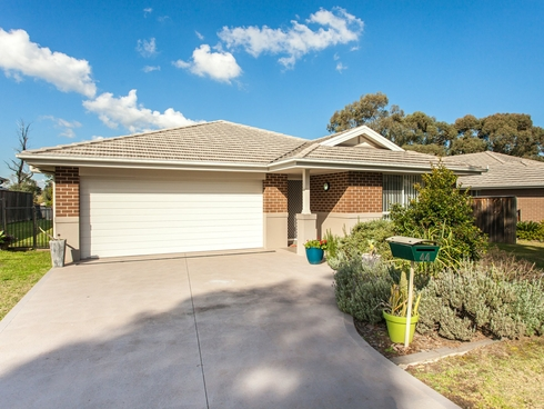 44 Stonebridge Drive Cessnock, NSW 2325