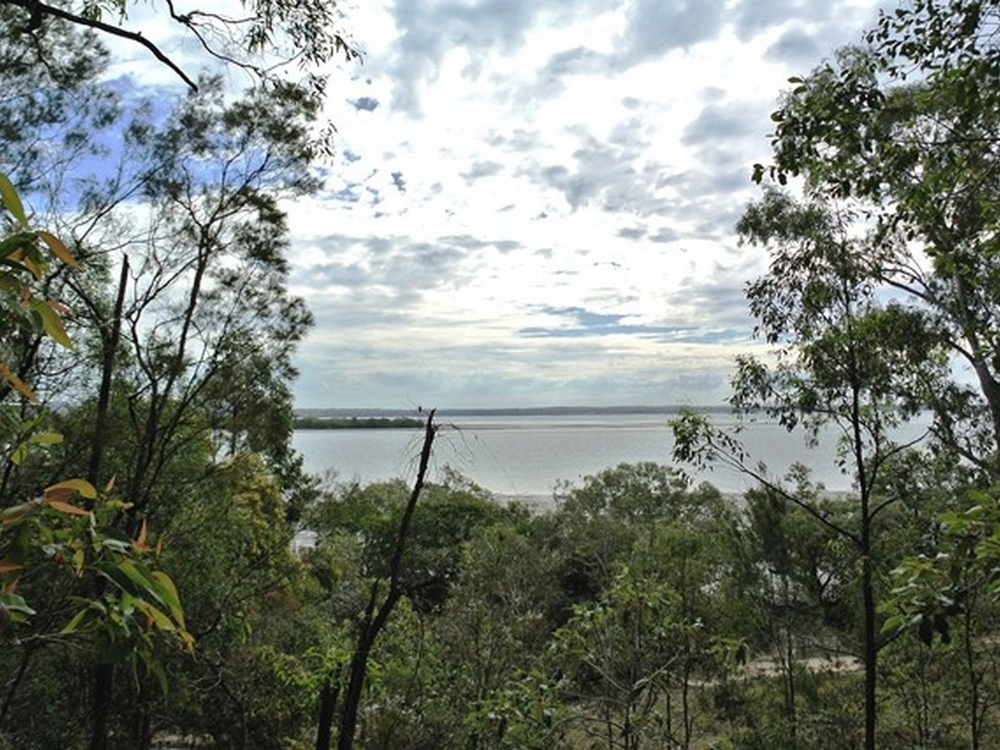11 Coast Road Macleay Island, QLD 4184