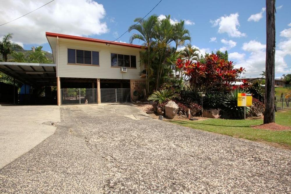11 McDonald Street Tully, QLD 4854