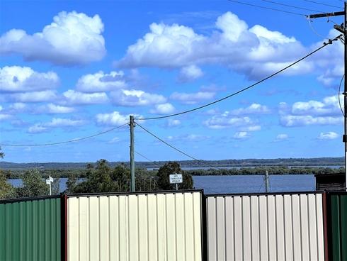 17 Panorama Avenue Russell Island, QLD 4184