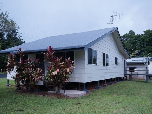 27A Trower Street Tully, QLD 4854