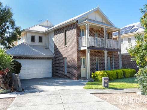 94 Foxwood Drive Point Cook, VIC 3030
