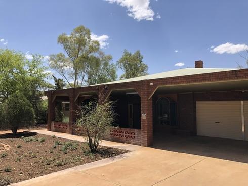 9 Hillside Gardens Desert Springs, NT 0870