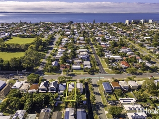 135 Scarborough Road Redcliffe , QLD, 4020