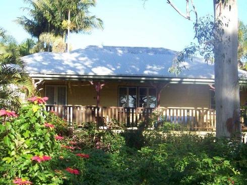 64 PERULPA DR Lamb Island, QLD 4184