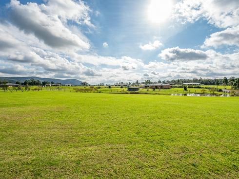 10 Lomandra Circuit Paterson, NSW 2421