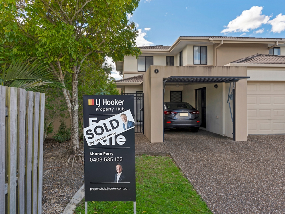 4/2 Tuition Street Upper Coomera, QLD 4209