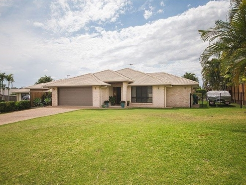 4 Oakland Court Norman Gardens, QLD 4701