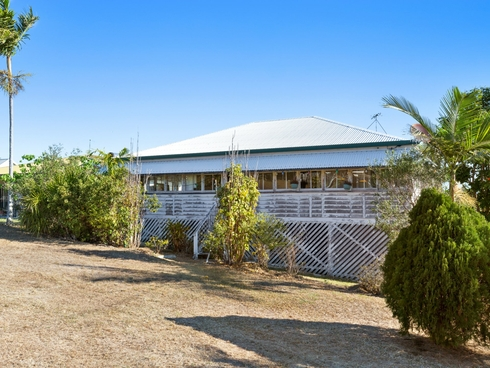 20 William Street Emu Park, QLD 4710