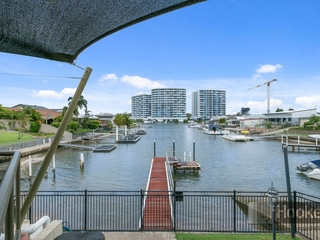 20 Thompson Street Biggera Waters , QLD, 4216