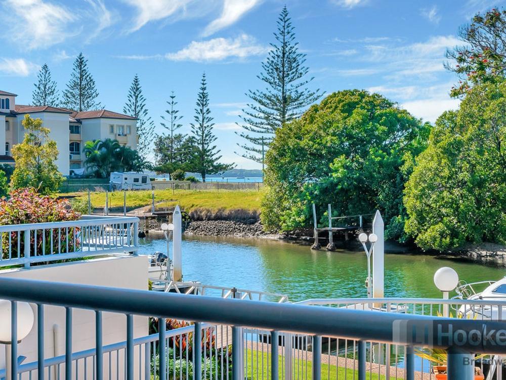 5/9-13 Madang Crescent Runaway Bay, QLD 4216