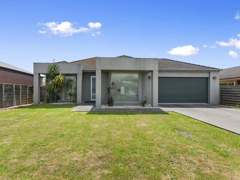 16 Giles Place Traralgon, VIC 3844