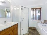 8 Rona Court Merrimac, QLD 4226