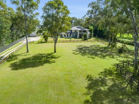 147 Crescent Avenue Hope Island, QLD 4212