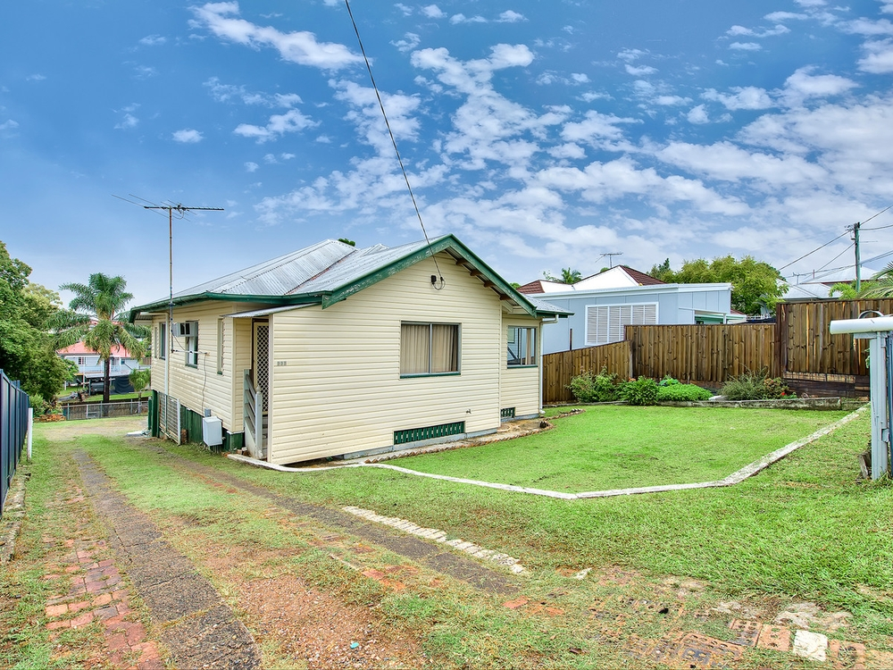 333 Webster Road Stafford Heights, QLD 4053