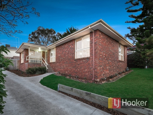 1/32 Monteith Crescent Endeavour Hills, VIC 3802
