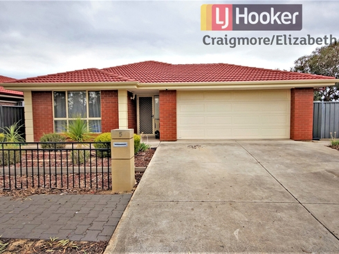 5 Willandra Close Andrews Farm, SA 5114