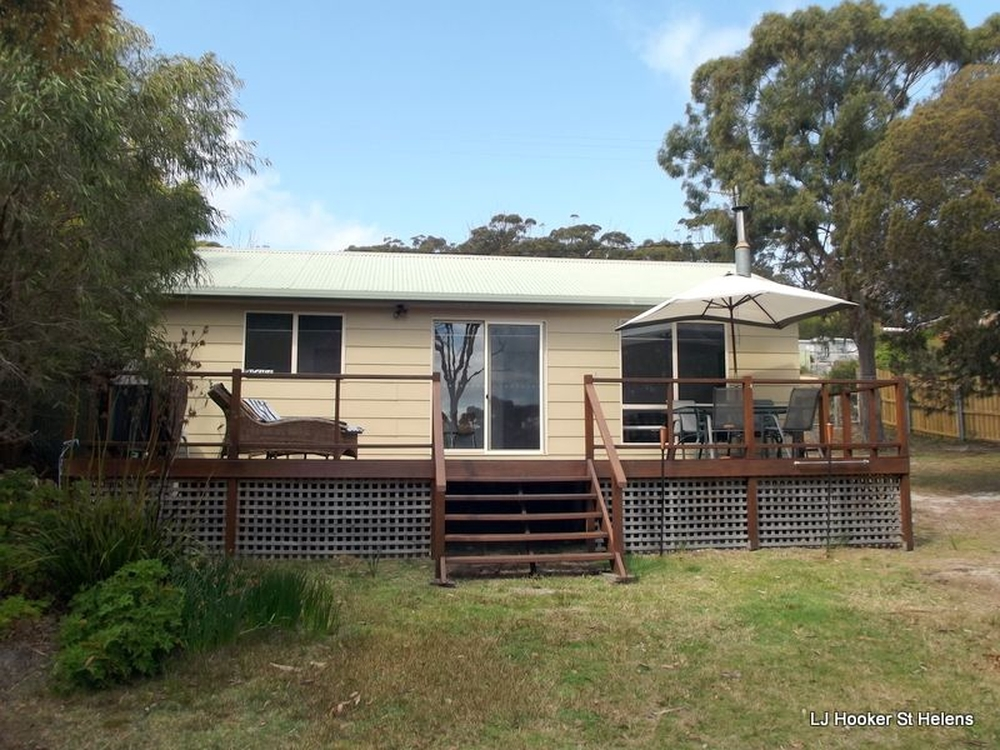 175 Main Road Binalong Bay, TAS 7216