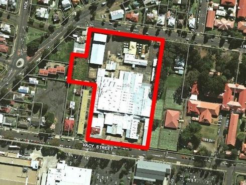 Lot 2/256 Herries Street Newtown, QLD 4350