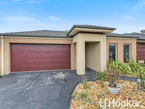 26 Macumba Drive Clyde North, VIC 3978