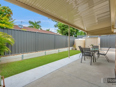 1/184 Whiting Street Labrador, QLD 4215