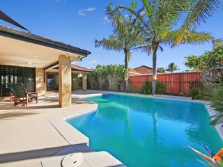 13 Islander Court Burleigh Waters , QLD, 4220